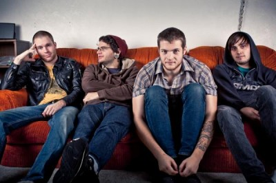 Show Preview-Former Thieves/Into It. Over It/Dire Wolf