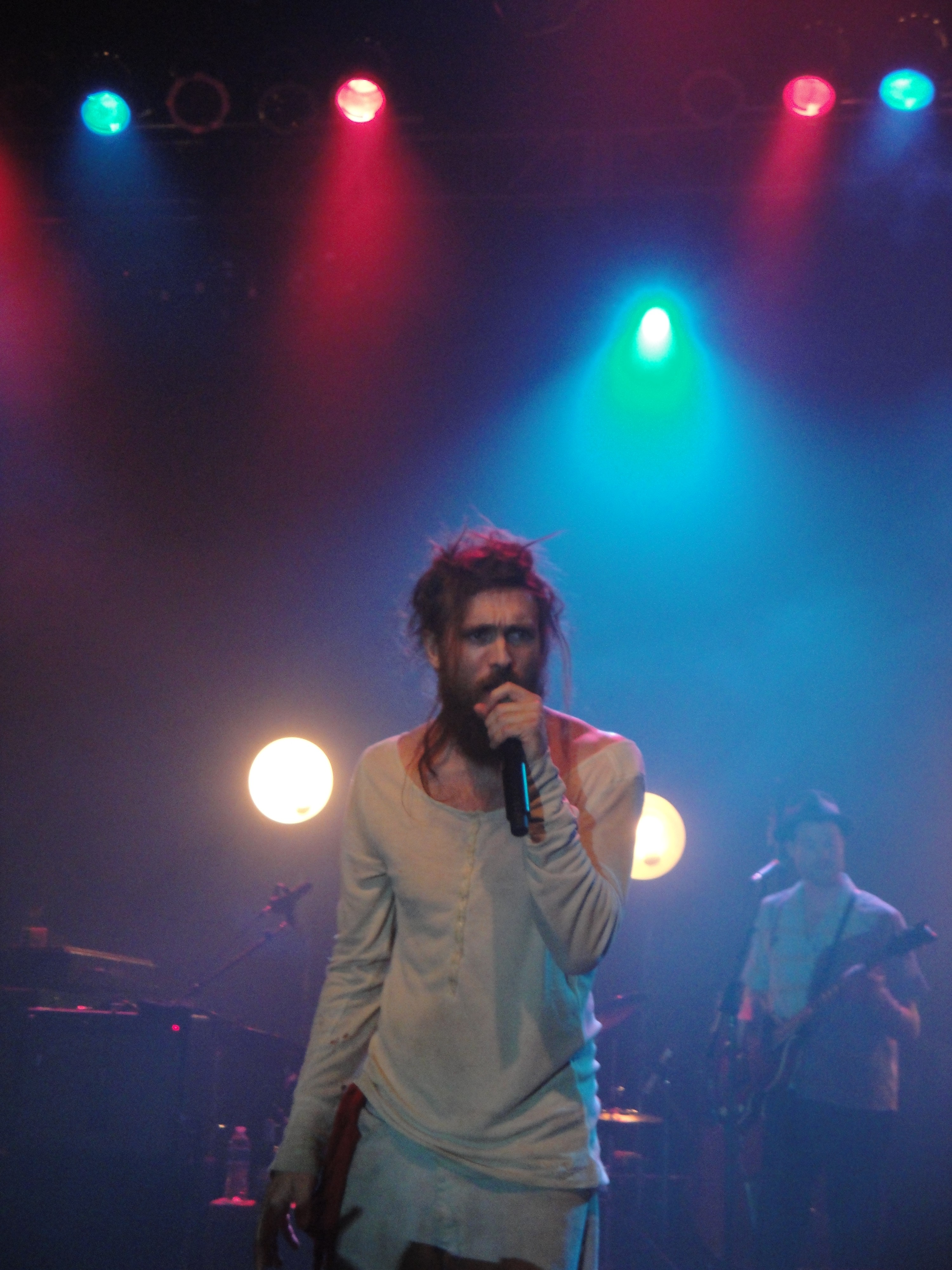 Show Review: Edward Sharpe & The Magnetic Zeros