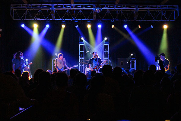 [Show Journal] A Night at the Music Farm with Built To Spill